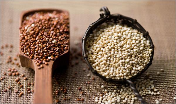 2 varieites of quinoa