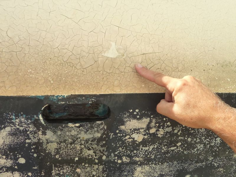 Cracks in Gelcoat Topsides