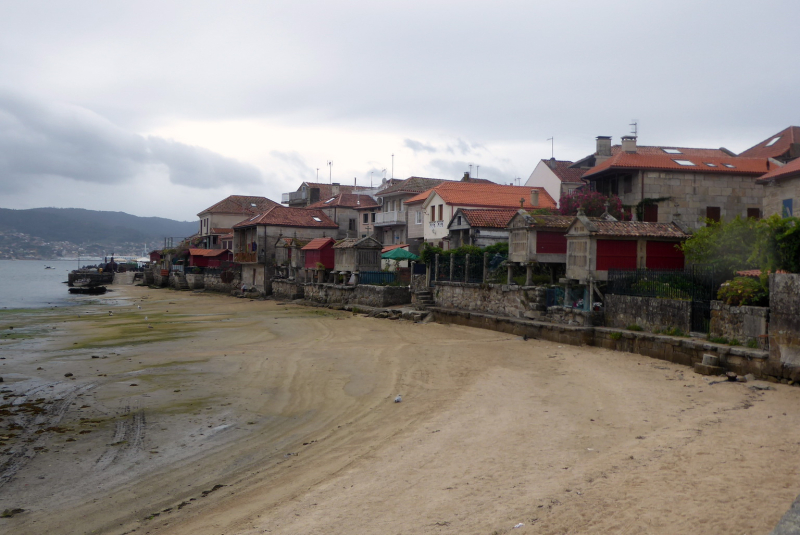 Touristy town at Cambarro