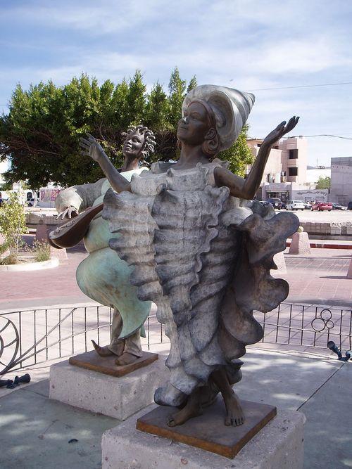 La_Paz_Statue